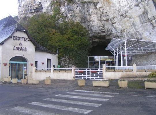 Accueil des grottes de Lacave, dans le Lot pres de Rocamadour