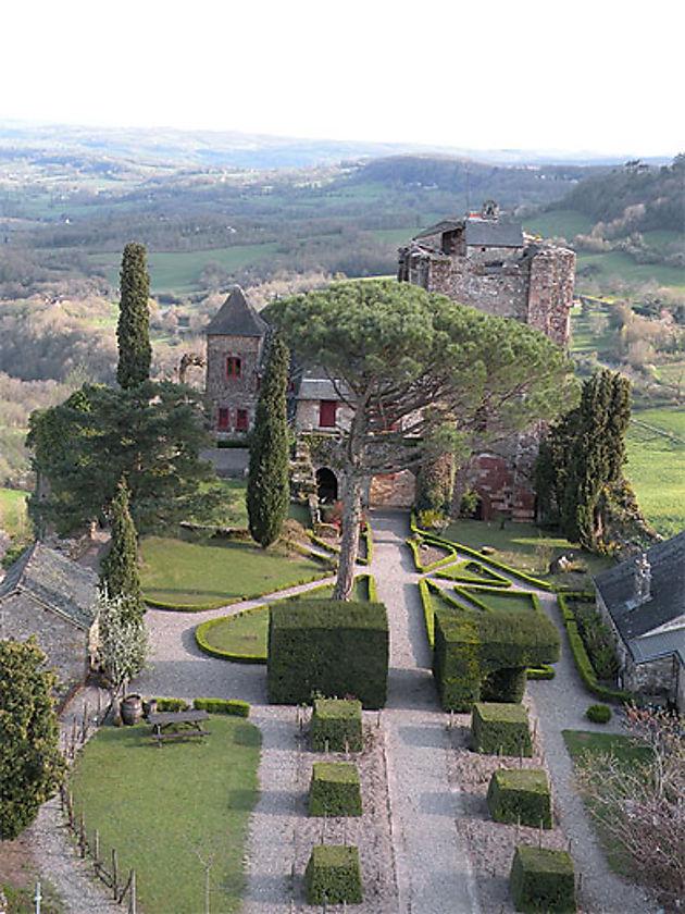 Jardin du chateau de Turenne